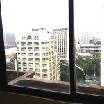 Manila、Vito Cruzにある格安コンドミニアム視察