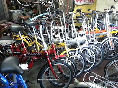 中古自転車の陳列