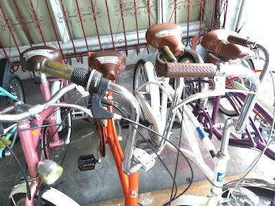 クルーザー自転車の陳列