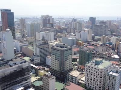 マニラの街。東京と同じくらいの大都会。