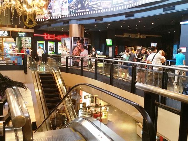 プロムナード2階の映画館