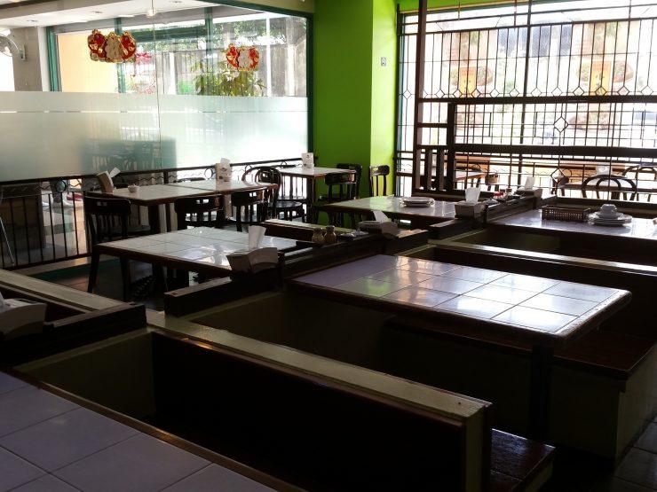 電子ビル1階レストラン