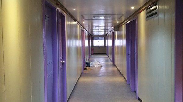 ACMEインの廊下