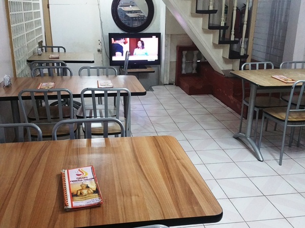 Som's Noodle Houseの店内
