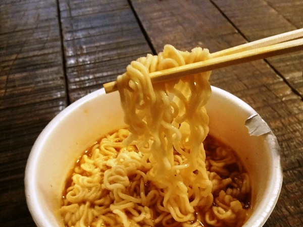 韓国系インスタントラーメンの麺