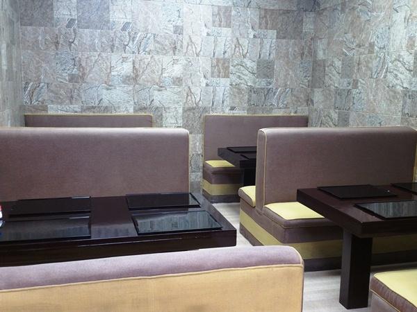日本食堂のソファ席