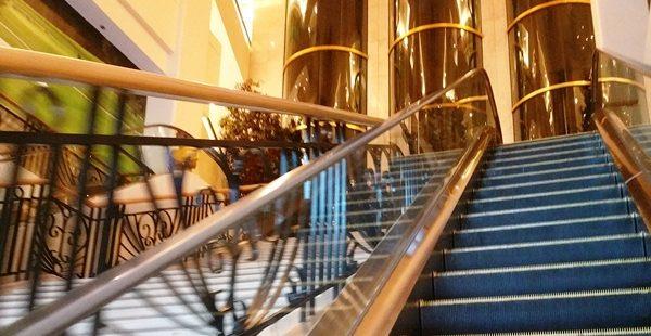 シェラトンマニラベイの階段