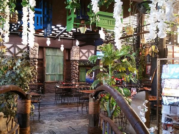 パン・デ・アメリカーナに入ってすぐのところ