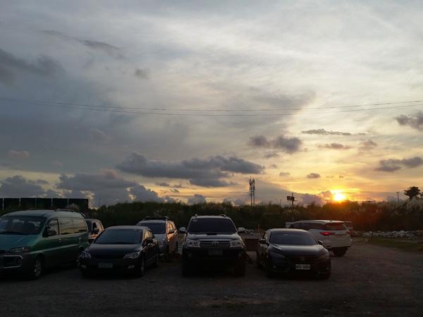 シーフードパルートから見るマニラの夕日