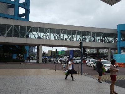MOAの歩道橋