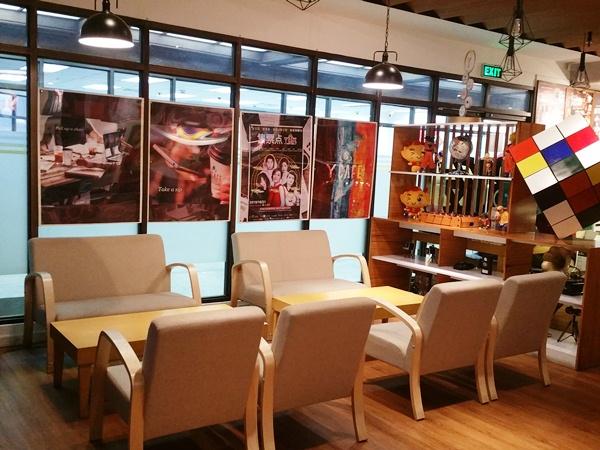 Y'Cafe店内の椅子