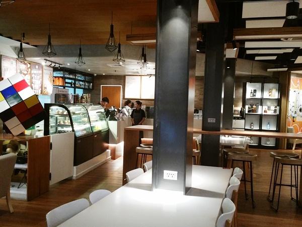 Y'Cafeの店内