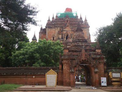 ティローミィンロー寺院のゲート