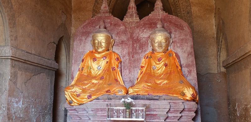ダマヤンジー寺院2体の仏像