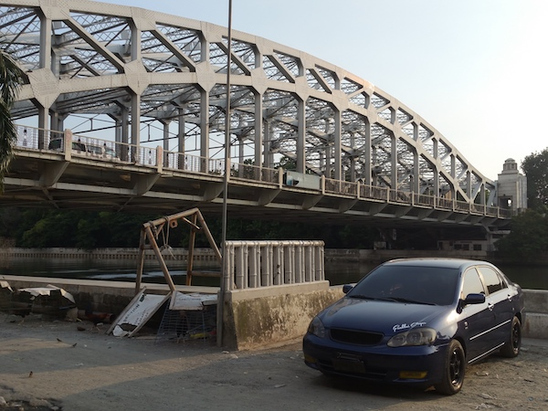 パッシグ川と橋