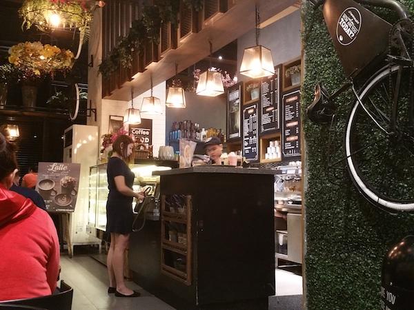 コーヒープロジェクトのカウンターレジ