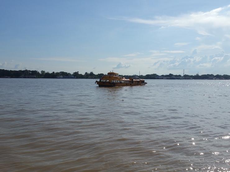 ヤンゴン川