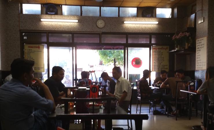 フォーリバーズ近くのレストラン