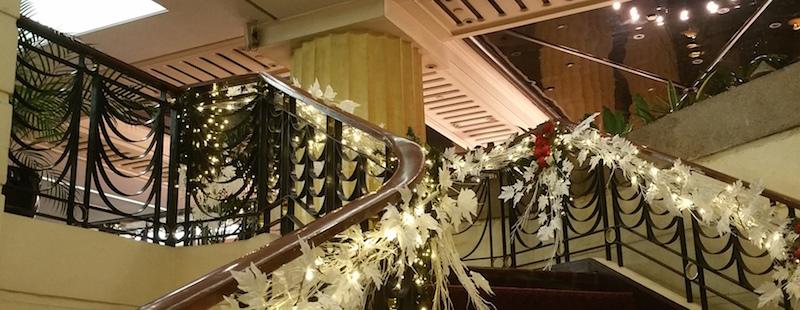 ヘリテージホテルの階段