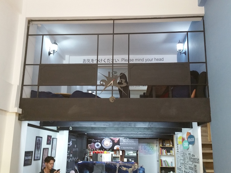 ヤンゴンランゲージカフェ内