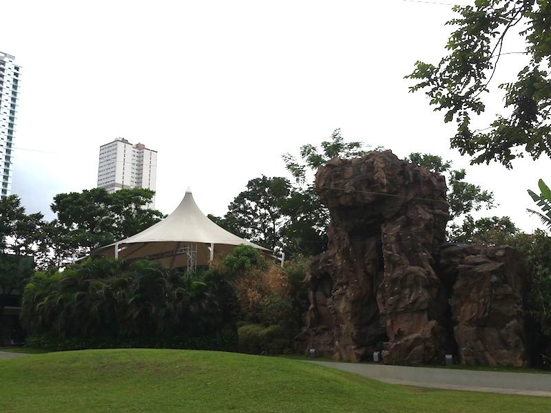 グリーンフィールド中央の公園