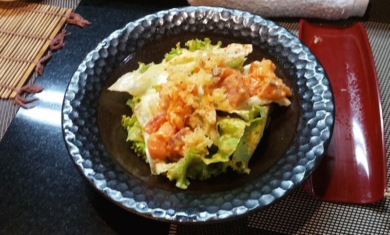 カリカリピリ辛サーモンサラダ