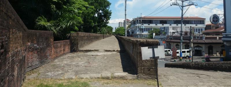 城壁歩き入り口