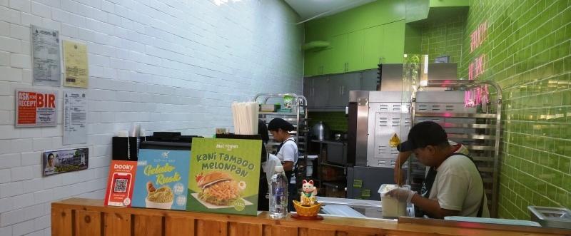 メロンパンアイスの厨房