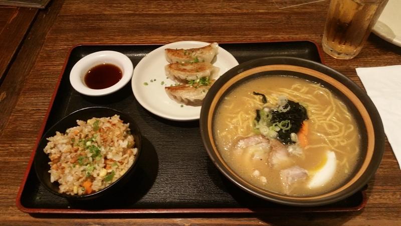 醤油ラーメン定食