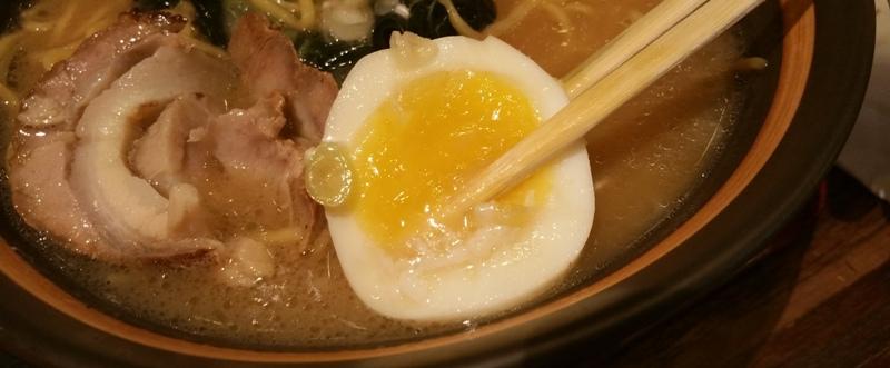 醤油ラーメンの半熟卵