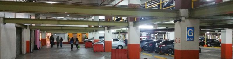 イーストウッドシティウォーク駐車場