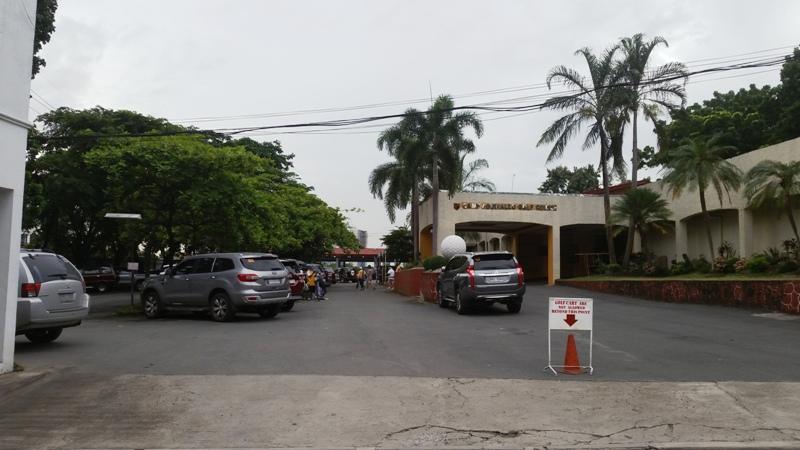 ゴルフ場の駐車場