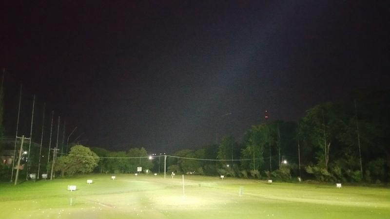 夜のベテランズドライビングレンジ