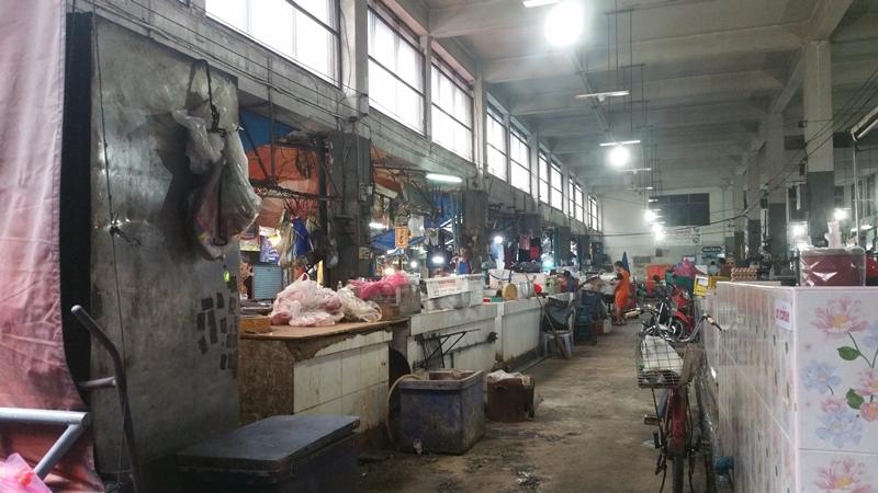 プラカノン市場内部