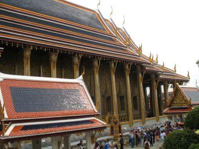 エメラルド像の寺院