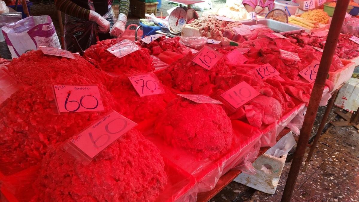 クロントーイ市場の赤い屋根