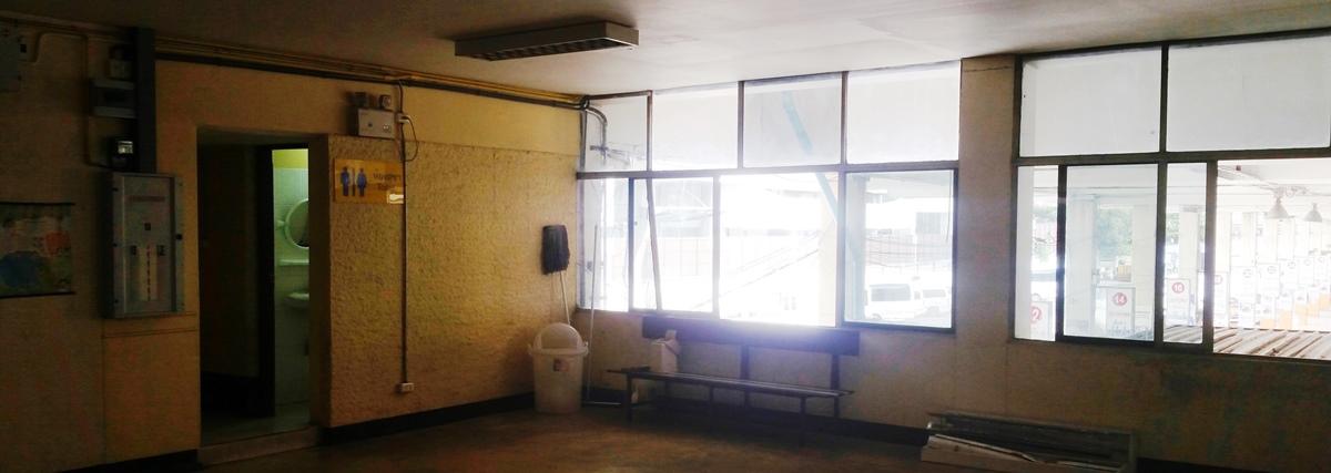 東(エカマイ)バスターミナルの2階