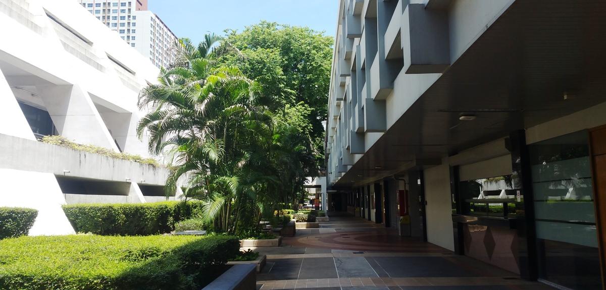 バンコク大学屋外廊下