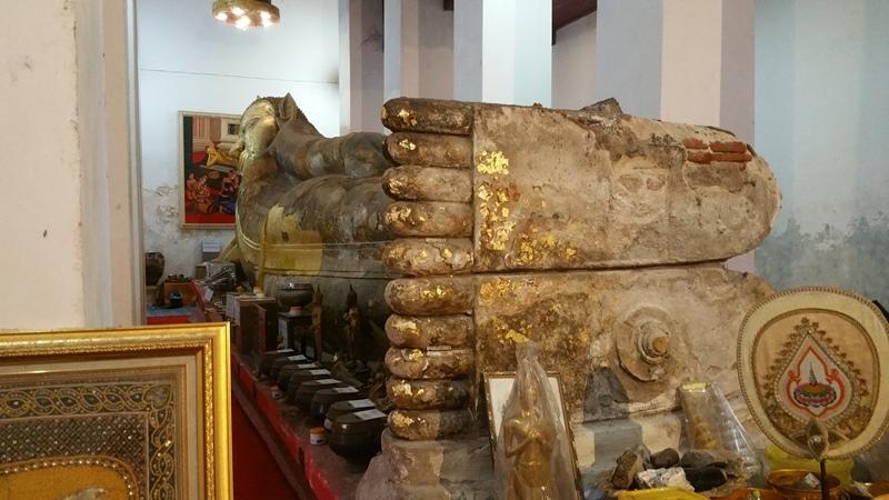 ワット・タミカラットの涅槃像