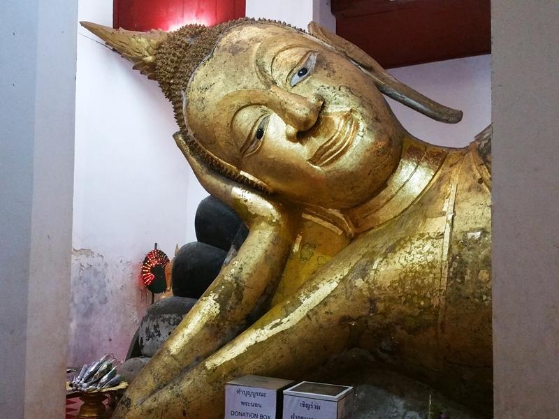 ワットタミカラットの涅槃像