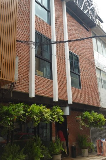 Exterior of Stay Thapae Hostel