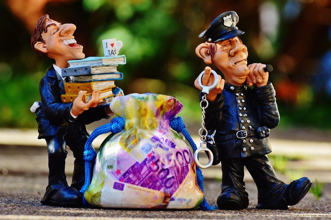 検事と警察
