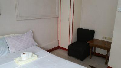 ホテルサレー室内