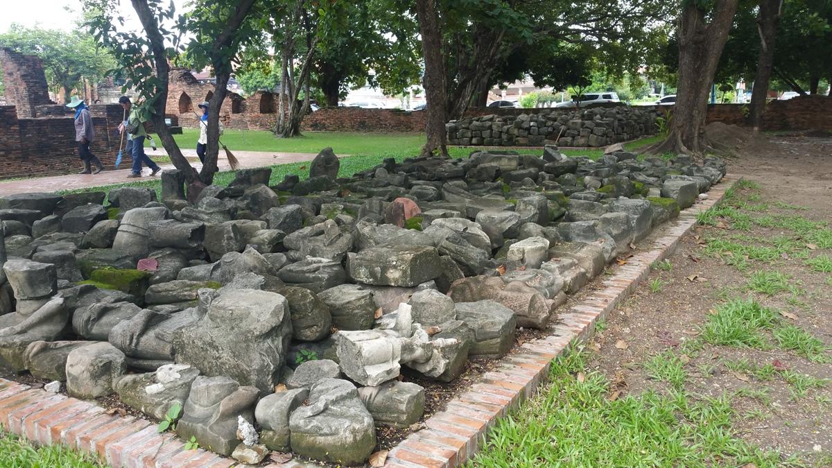 Paved stone rubble
