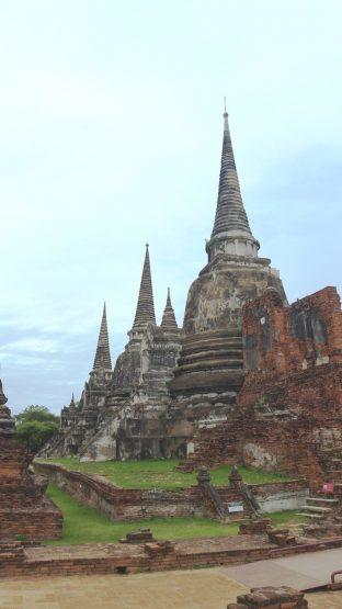 3人の王が眠る3つの仏塔