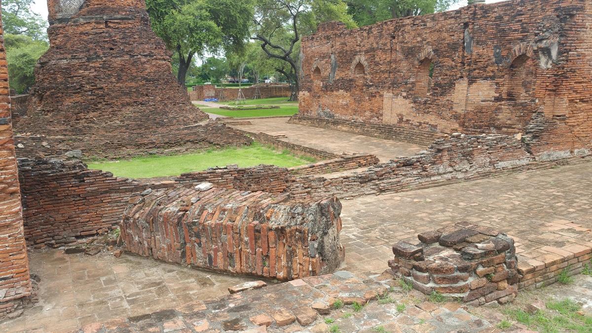 ビルマ軍によって破壊された柱