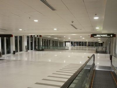 フィリピンの空港コンコース