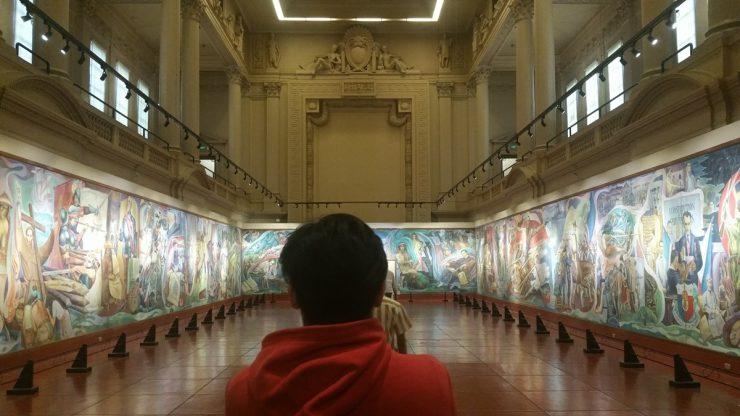 フィリピン国立博物館上院セッションホールを下から