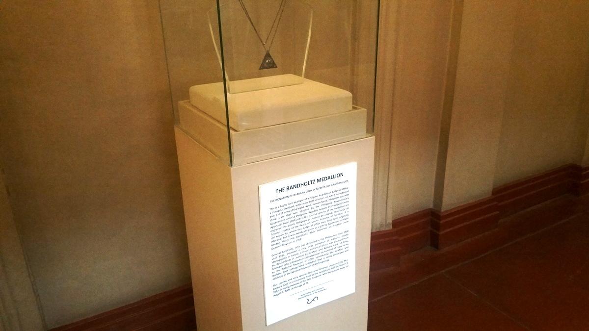 ギャラリー29に展示されているペンダント