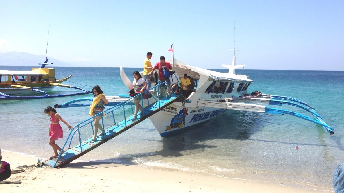 プエルトガレラのバンカーボート